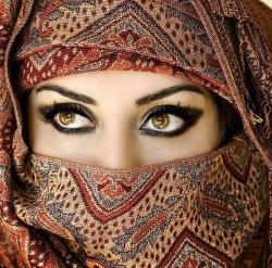 lens18182039_1311302805Beautiful-eyes-of-girls-2